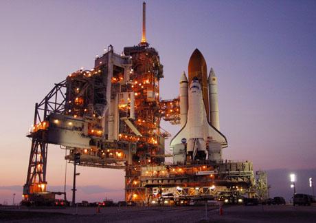 Space Shuttle sulla rampa di lancio