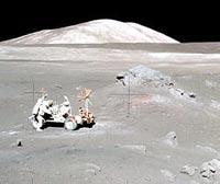 Astronauti e moonbuggy
