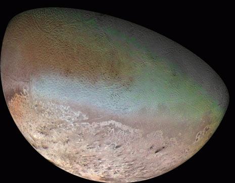 Una stupenda immagine di Tritone ripresa dal Voyager 2