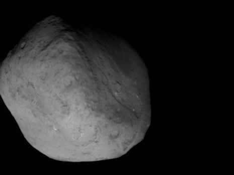 Primo piano della cometa ripreso dalla sonda Stardust