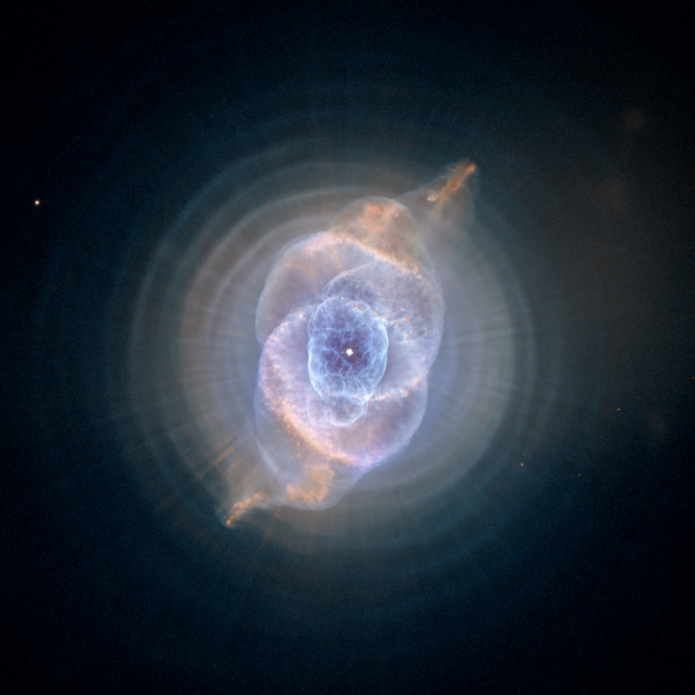 la splendida nebulosa Occhio di Gatto (Cat's Eye)