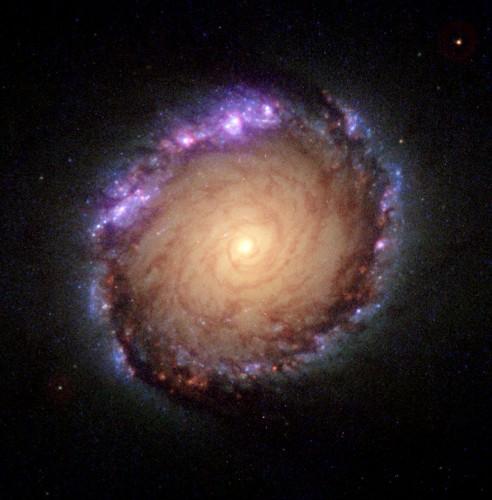 la $galassia$ $NGC$ 1512