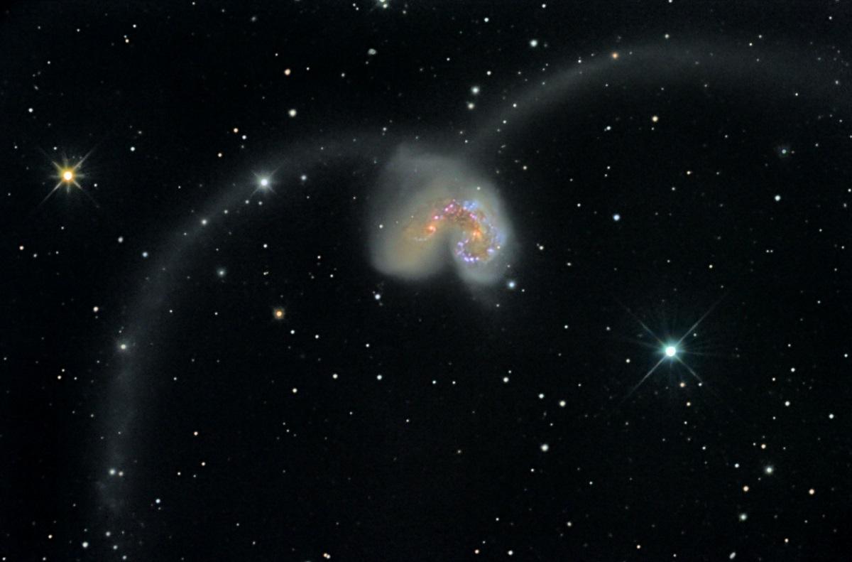 le galassie $NGC$ 4038 e $NGC$ 4039: le Antennae Galaxies