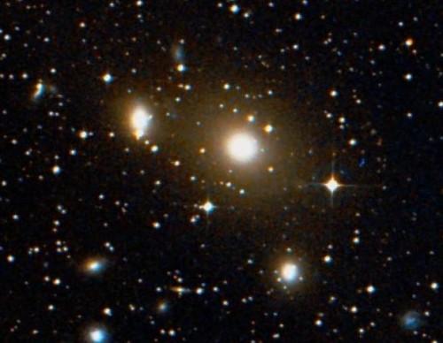 la galassia ellittica $NGC$ 3258