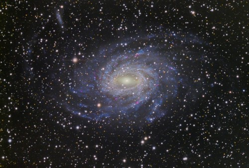 la galassia a spirale $NGC$ 6744