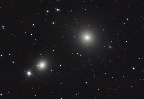 la coppia di galassie ellittiche $NGC$ 1399 e $NGC$ 1404