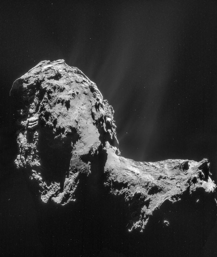 Mosaico costituito da immagini NAVCAM ottenute a una distanza di 31 km dal centro della cometa 67P/Churyumov-Gerasimenko il 20 novembre 2014, con una risoluzione di 3 m per pixel. Credit: ESA/Rosetta/NAVCAM