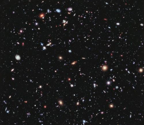 Credit: NASA; ESA; G. Illingworth, D. Magee, e P. Oesch, University of California, Santa Cruz; R. Bouwens, Leiden University; e l'HUDF09 Team.