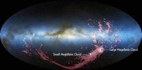 La posizione della Grande e della Piccola nube di Magellano (Cortesia David Nidever et al., NRAO/AUI/NSF and Meilinger, Leiden-Argentine-Bonn Survey, Parkes Observatory, Westerbork Observatory, Arecibo Observatory / Amanda Montañez)