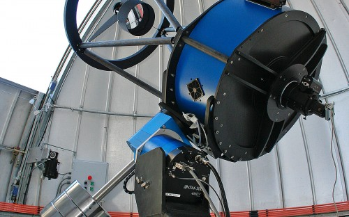 Fig.2: Il telescopio da 60cm Trappist-1 sulle Ande cilene. - Crediti: Di E. Jehin/ESO - http://www.eso.org/public/images/eso1023e/, CC BY 4.0, https://commons.wikimedia.org/w/index.php?curid=37664358