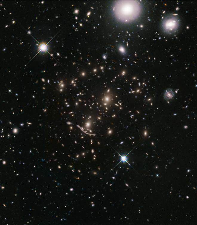 Ammasso Abell 370. Credit NASA