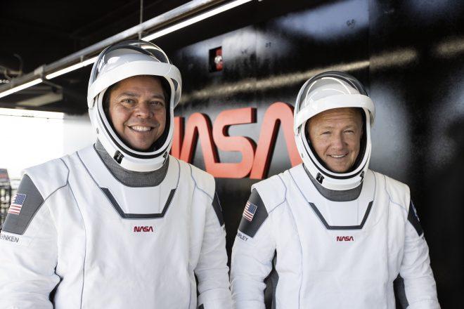 Behnken e Hurley all'inizio della quarantena. Credit NASA