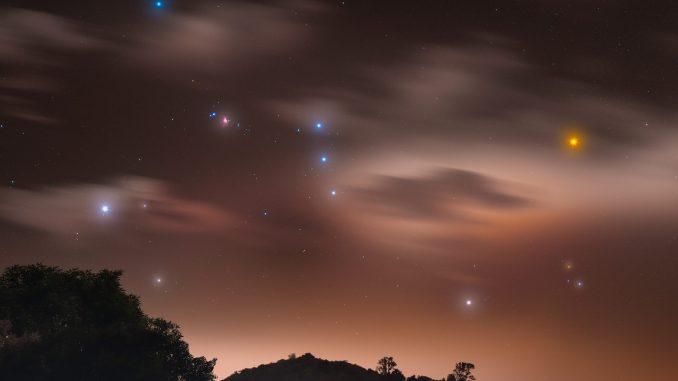 Il cacciatore nella nebbia - Credits: Rodrigo Guerra, vincitore APOD by Astronomia.com del 1 febbraio 2021